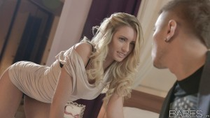 Babes Jessi Gold in Let's Get Undressed