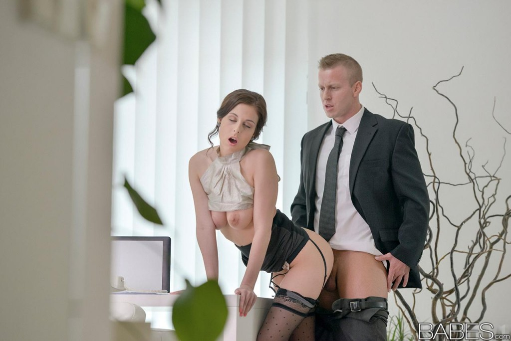 Babes office obsession ryan driller and isabella de sant - 5 9