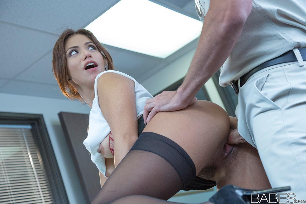 Смотреть онлайн секс в офисе за деньги 12 фотография