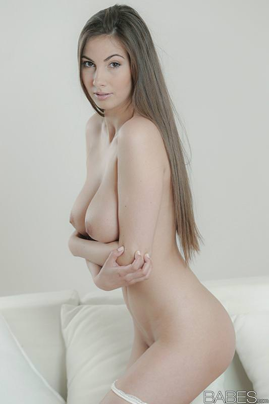 Natural busty babe connie carter enjoys early 4